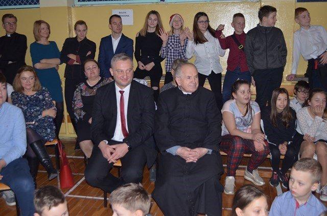 https://szkolaborowno.pl/images/phocagallery/thumbs/phoca_thumb_l_dsc_0141.jpg